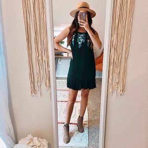 🍑 3/$50 THML Boho Floral Embroidered Mini Dress